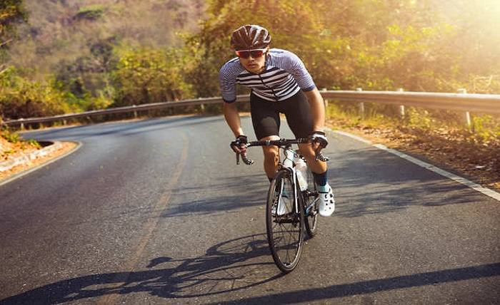 7 Best and Most effective Cycling Tips for Beginners to Improve Your Performance