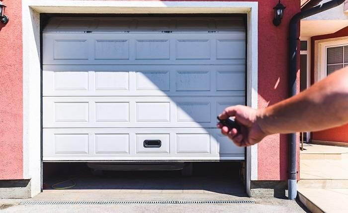 Understanding the Operation of a Roller Garage Door In Sydney